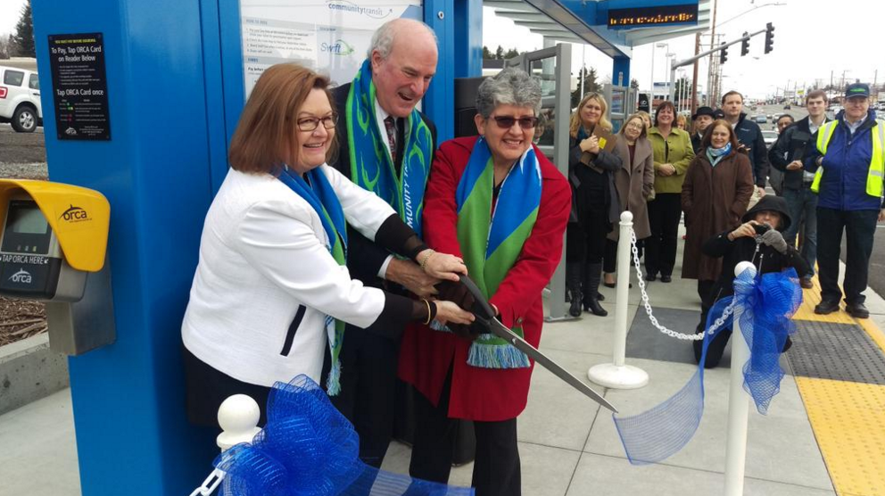 New bus stop opens on Highway 99 and 204th Street Southwest