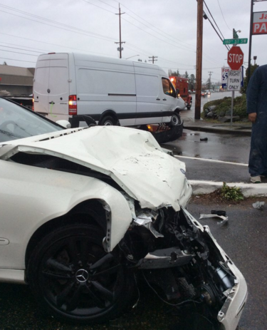 Two cars crash on Highway 99 - Lynnwood Today