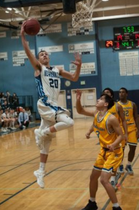 Prep boys basketball photo gallery: Meadowdale beats Bremerton 80-43