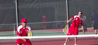 Boys tennis team drops match to Shorewood