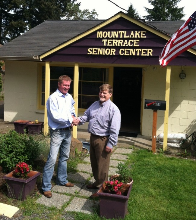 Mountlake Terrace Senior Center President Seaun Richards welcomes new Executive Director Mike Cooper.