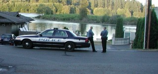 Small pipe bomb found at Lake Ballinger