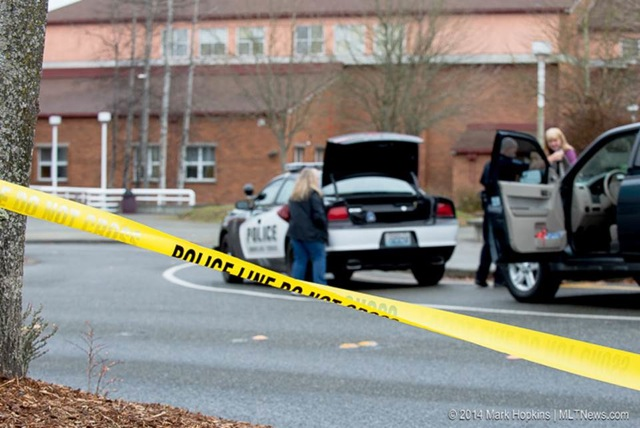 A bomb threat was called into Mountlake Terrace High School this afternoon. The school was evacuated and Police searched the building and allowed students and cleared the scene. (Photo by Mark Hopkins)