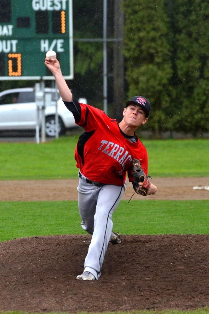 Mountlake Terrace's Jason Shevenko delivers a pitch against Edmonds-Woodway.