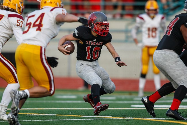 Junior Garrett McDowell, making his first start for the Hawks, ran for 103 yards on 22 carries and scored three touchdowns in Mountlake Terrace's 22-20 defeat of Kingston Friday night at Edmonds Stadium. (Photo by Jonah Wallace)