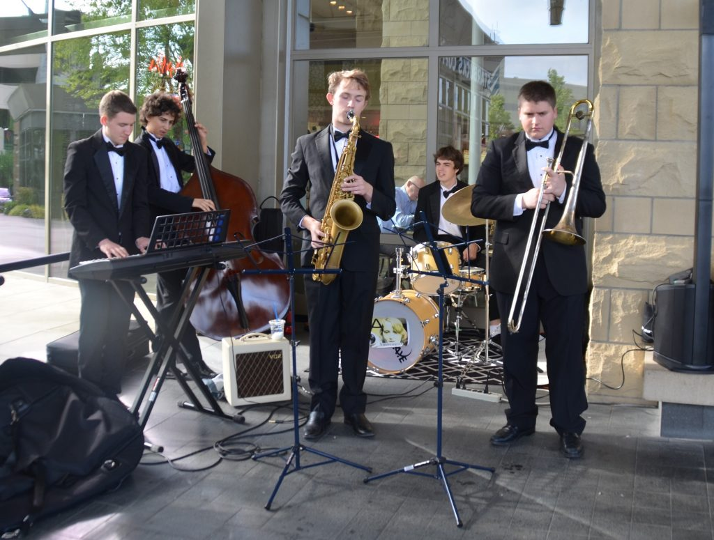 The Edmonds-Woodway High School Jazz Band was on hand to entertain guests.