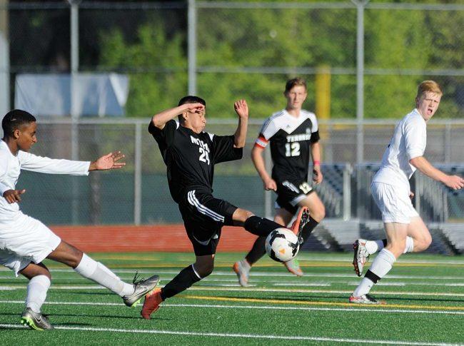 Ryan Coffman controls the ball.