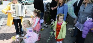 Edmonds in Bloom presents Kids Plant for Mom's Day Saturday — and don't forget the Fairy Flower Parade!