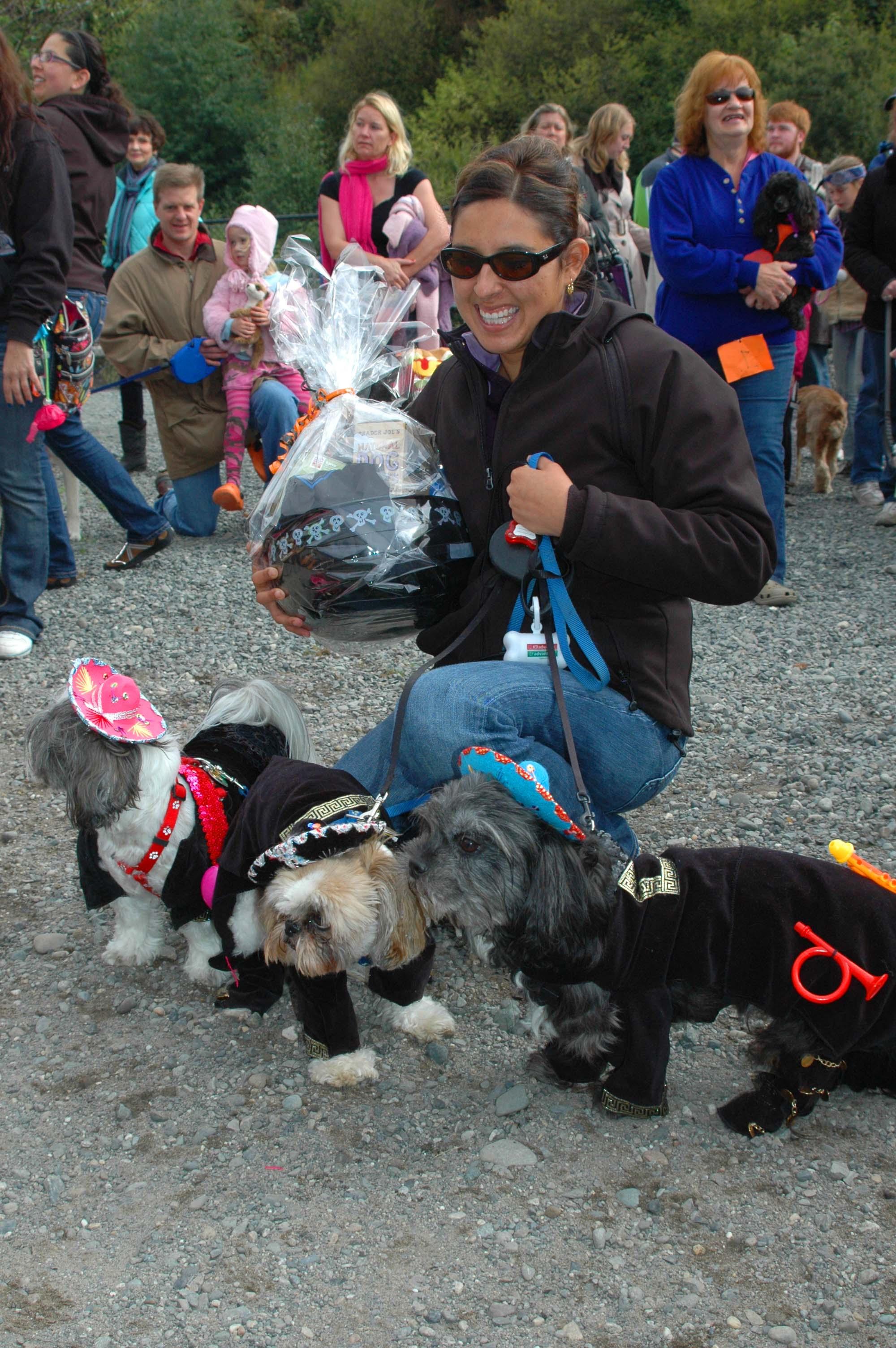 Dogs dress up for Halloween Howl - My Edmonds News