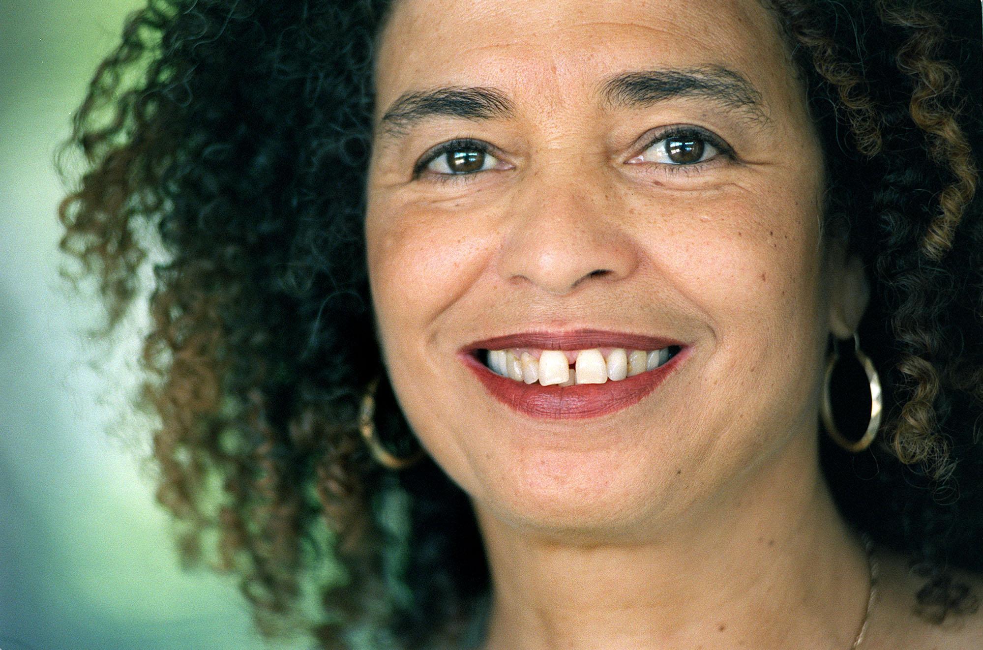 Angela Davis S Afro Images Politics Fashion And Nostalgia Review