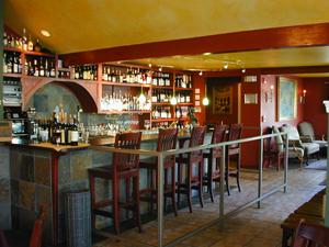 Girardi's bar