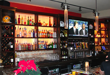 demetris bar