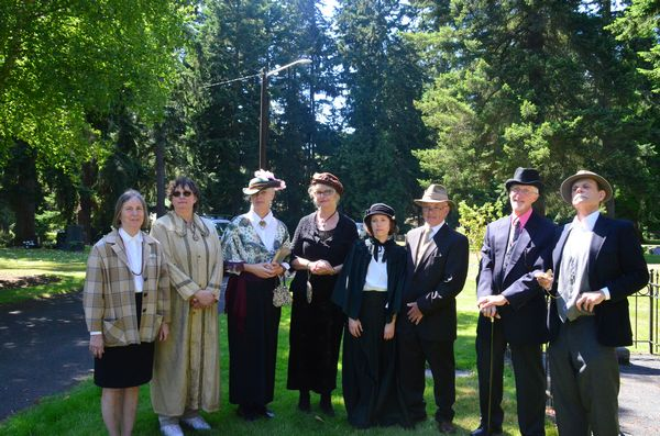"""The """"ghosts"""" of prominent persons in Edmonds history pose at the conclusion of the event. (Photos by Janice Carr)"""