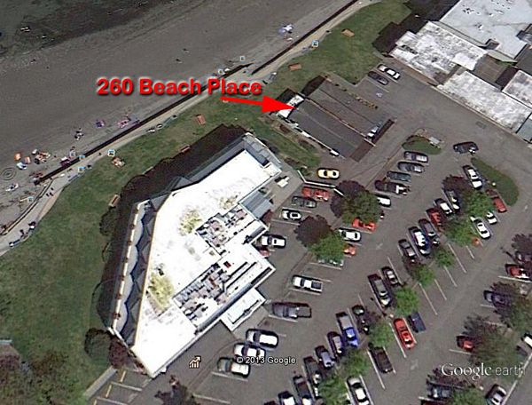 Thanks to funding from the County, the City of Edmonds is planning to buy the property at 260 Beach Place. The current structure, a single family home, would be demolished, and the land used to enlarge and enhance the existing access path from the parking area to the park, adjacent to the Edmonds Bay Building (on the right in photo).