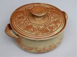A pot created by Barbara Childs.