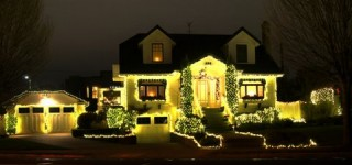 Scene in Edmonds: Merry and bright