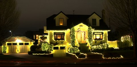 From David Carlos, a 3rd Avenue North house all decked out for the holidays.
