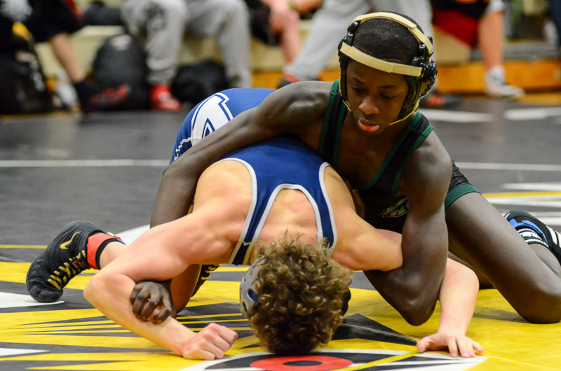At 106 lbs, Sidat Kanyi defeated Jed Klein from Bellarmine Prep in the consolation bracket to take third place.