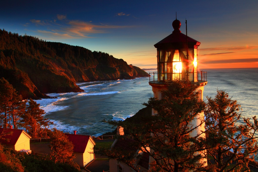 Sunset Heceta Head Lighthouse, Heceta Head State Park, Oregon Co