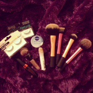 EB-Feb 2014-makeup brushes