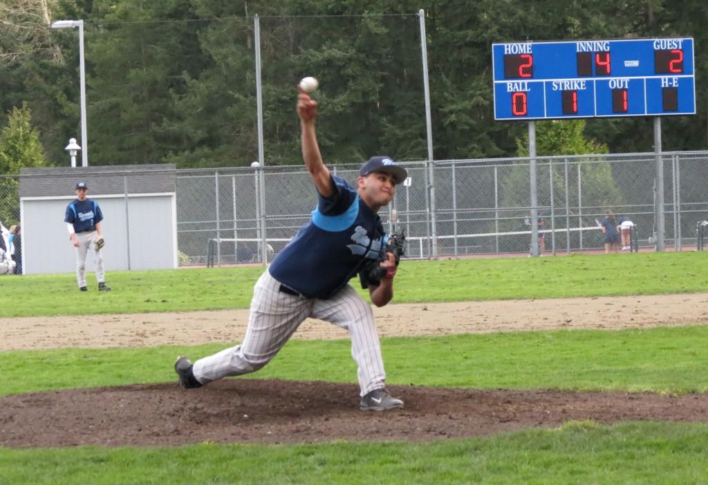 Moises Valdez of Meadowdale pitches against Everett Wednesday.