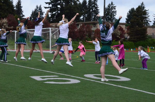 Edmonds-Woodway HS cheerleaders were on hand conducting cheerleading workshops for expo attendees.