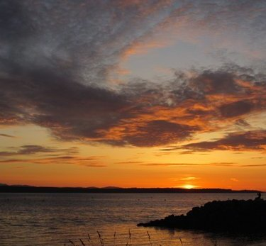 From Robin Kuhre, a lovely view of Sunday night's spectacular sunset.