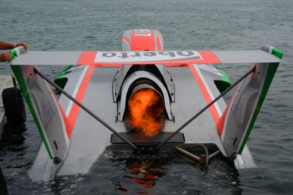 The Oberto heads out to victory. (Photo by