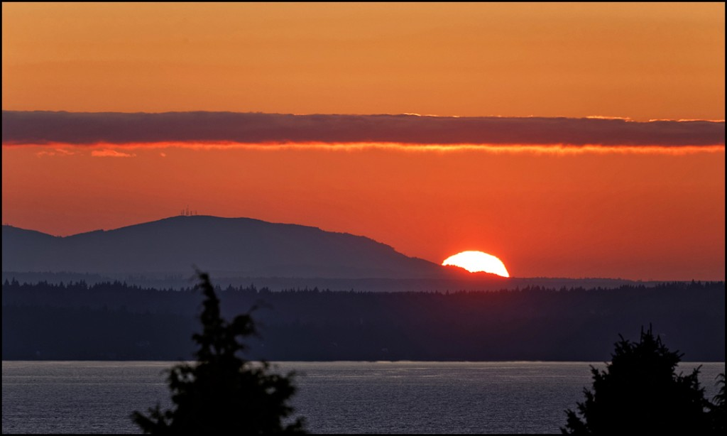 From LeRoy Van Hee, Monday's sunset.
