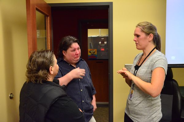 - It was a tearful meeting when Paula and Kris Sanderson finally came face-to-face with 911 dispatcher Angela Presley.