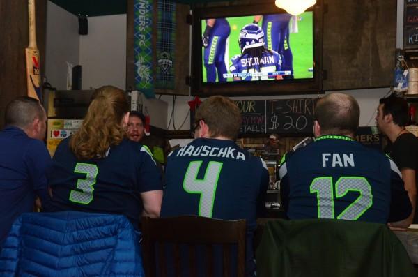 Super Bowl Pub Table Decorations