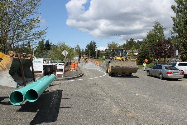 City officials are warning residents and commuters that construction will cause traffic delays on Lakeview Drive Mondays through Thursdays now through the summer.