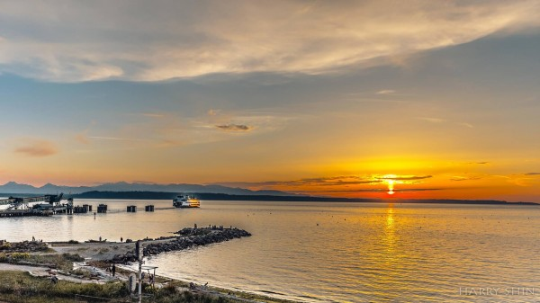 From Harry Young Shin, Monday's glorious sunset at the Edmonds waterfront.
