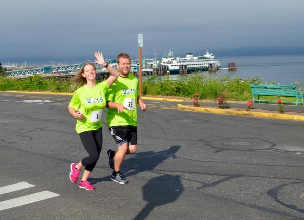Stephanie and David Jones of Edmonds enjoying the run route along Sunset Avenue.