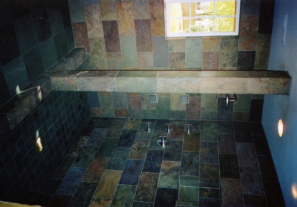"""Rajah """"Multi-color"""" slate walls with Burlington Clear-water slate floor and pan from England's Lake District."""