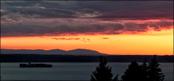 From LeRoy VanHee: Friday's sunset