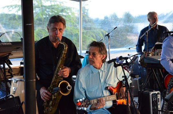 Edmonds' Easy Company Band provided entertainment on the patio