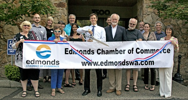 The Edmonds Chamber of Commerce and Mayor Dave Earling held a ribbon cutting earlier this week for new member Progressive Chiropractic and Dr. Kevin Leach. The clinic is located at 7500 212th St. S.W. in Edmonds.