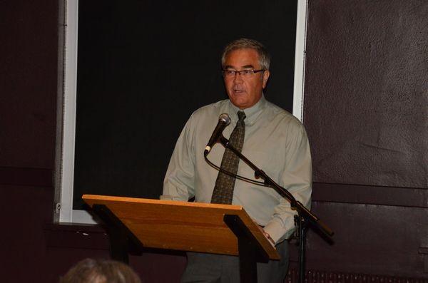 Edmonds Realtor Wayne Purser served as master of ceremonies for the event.