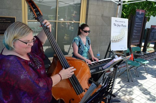 The Jazz Pearls provided the afternoon's entertainment.