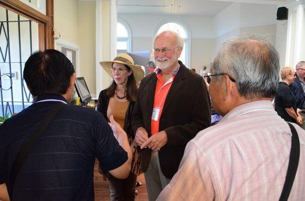 Edmonds Mayor Dave Earling with Hekinan delegates.