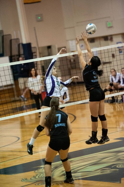 Kristin Yim (Meadowdale) defends against Missy Peterson (Edmonds Woodway)