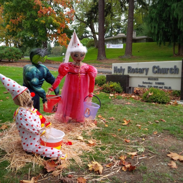A family at Edmonds-based Holy Rosary School put together this year's entry in the Edmonds Historical Museum's Scarecrow Festival: Holy Rosary Trick or Treaters. You can learn more about the contest and enter here.
