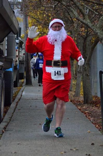 St. Nick (aka, Myron Phillips of Edmonds) gets into the holiday spirit.