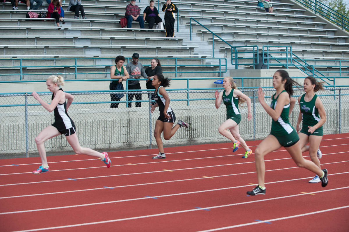 Girls track gallery 1