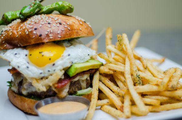Bar Dojo Burger.