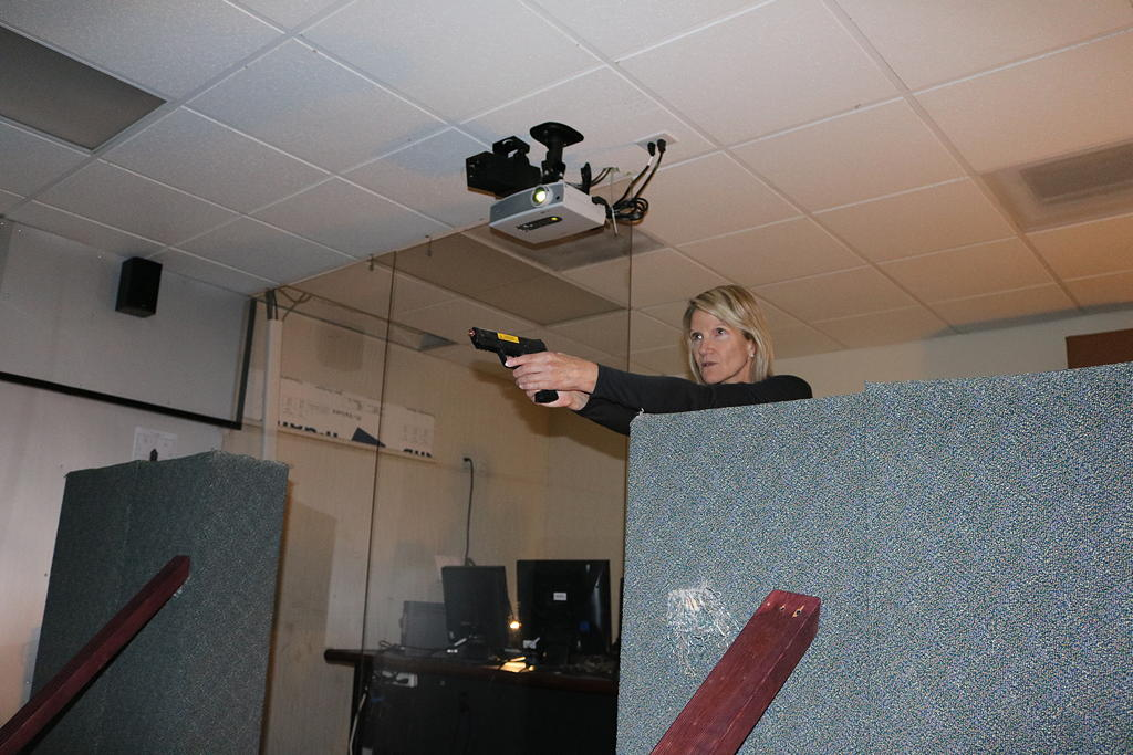 Shoot or don't shoot? Training simulator puts police in ...