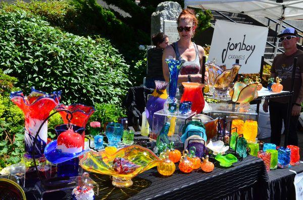Scene In Edmonds Summer Market Sizzles In Record Heat