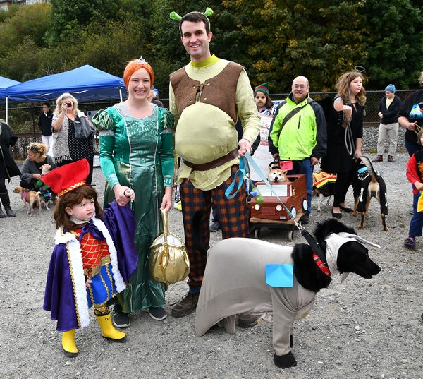 Annual Canine Costume Contest A Howling Good Time My Edmonds News