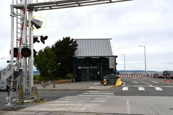 Wayside horns activated as rail crossing quiet zones take